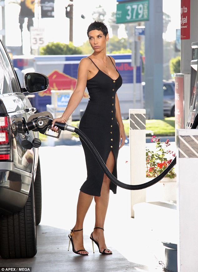 Nicole Murphy met the pap at the gas station. This is not accidental.